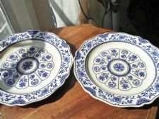 PAIR OF ANTIQUE WEDGWOOD PLATES 1884 STAMPED IMPERIAL OM FLORAL BLUE & WHITE